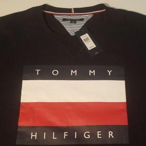 NWT Tommy Hilfiger Sweatshirt